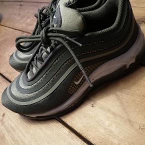 Sneakers, str. 36,5, Nike air max, Grøn, Næsten som ny  Brugt ganske lidt og nu desværre for små  Nypris 1195,00