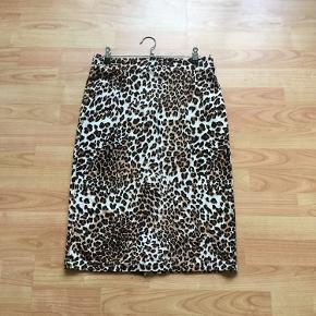 Lækker leopard nederdel 👍brugt få gange pæn stand 👍