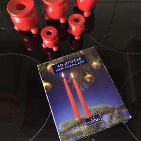 Originale svenske julestager 2 små 4,5 cm høje 3 store 7 cm høje 1 pk røde lys Sælges samlet Sendes mod betaling