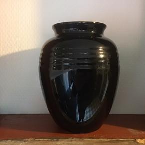 Flot vase eller krukke af stentøj 1 liters højde 15 cm