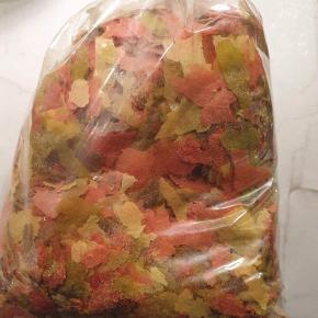 Flagefoder til akvariefisk 50 kr for 200 gram.