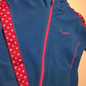 Mærke : Protest. Lækker fleece trøje i blød kvalitet. Brugt ca 3 ski uger. Ny pris 450  Bytter ikke.