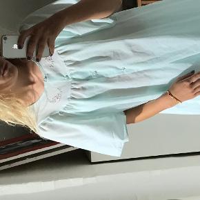 Sælger denne smukke vintage kjole. Kjolen fitter Xs/S 🌸