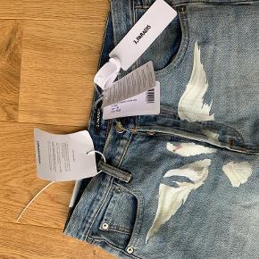 3.Paradis jeans