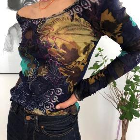 Sælger denne super fine langærmet bluse som jeg fandt i en vintage butik i Mexico - den er af et ukendt mærke🌼  Mp:75kr