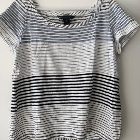 Fed Marc Jacobs t-shirt.  Brugt få gange - fejler intet. Købt i New York