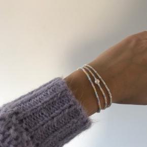 Smukt smykke sæt med 3 armbånd i🌈 kan også sendes med postnord for 10kr
