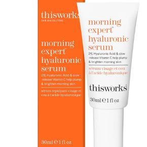 Morning expert hyaluronic serum 30 ml fra This Works. Aldrig brugt. Helt ny.   Nypris 323 kr.  Sælges for 100 kr. plus porto.