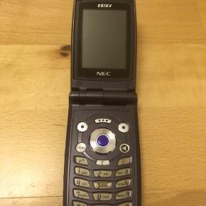 Sælger begge min mobil telefon. Nec 3 mobil aldrig brugt med oplader den er låst  og nokia har ikke oplader. Frit valg 200kr pga har ikke plads. Stikdåser frit valg 50kr. Skriv eller ring hvis i interesseret