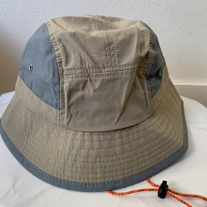 Urban Outfitters hue & hat
