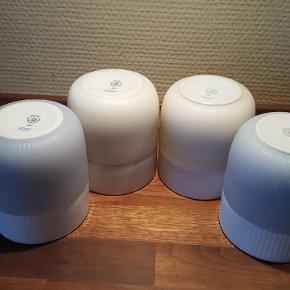 2 stk aquamarine Contrast krus og 2 stk Pearl Contrast krus sælges. Samlet for 600 pp   Handler helst via MobilePay og sender med Dao. Handles der over ts betaler køber gebyret.