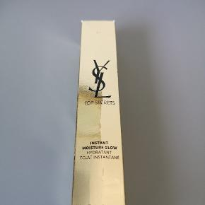 Yves Saint Laurent hudpleje