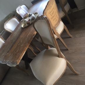 Spisebord og spisestole