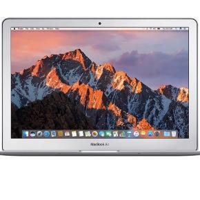 Sælger MacBook air 13 tommer   Den er på 128 gb  Byd endelig