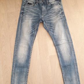 Lækre cowboybukser str. 31W-32L. Brugt få gange.