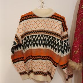 Smuk vintage sweater i 38/40, men svarer mere til en 36-38.