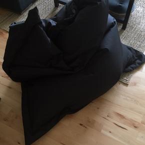 Stor sækkestol - som ny, uden brugsspor - fra et hjem uden dyr, ikke ryger