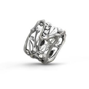 Varetype: ring Størrelse: 52 Farve: Sølv Prisen angivet er inklusiv forsendelse.