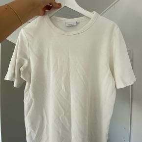 Weekday t-shirt
