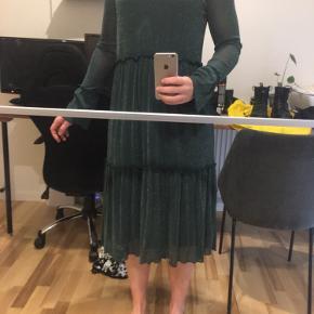 Smuk kjole fa Moves