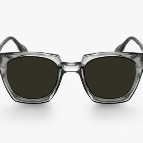 Sælger disse spritnye han kjøbenhavn solbriller. De er urbrugte og kommer med alt originalt tilbehør. Nypris 1000kr. Nup dem for 700