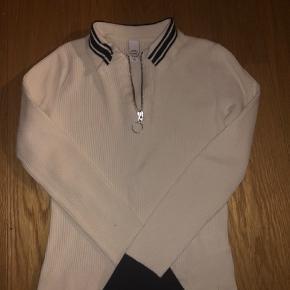 Super smart bluse fra MbyM. Perfekt her til forår/sommer. Skriv gerne for interesse, er åben for bud:)
