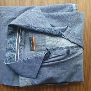 Eterna skjorte, bemærk: størrelse 41 med ærmelængde 16.