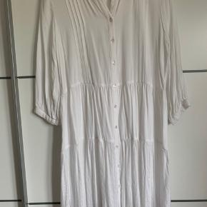 Kjole/skjorte  Sælges da jeg ikke får den brugt nok