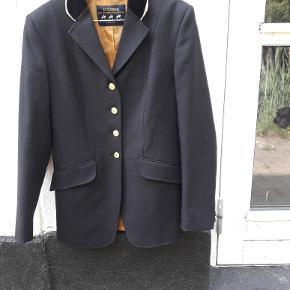 Windsor stævne jakke str 36 sort med guldkant og knapper. brugt få gange. byd byd