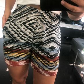 Specielle men fede shorts, der har et Nice mønster.