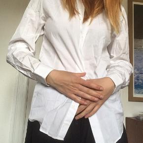 Klassisk skjorte fra cos