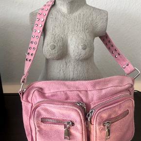 Fin og rummelig taske i lyserød denim 🌸