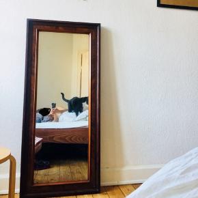 Sat ned, da jeg skal flytte lige om lidt oh helst vil have det solgt inden ✨👌🏼  Smukt spejl