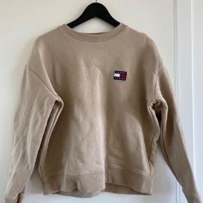 Tommy Jeans sweatshirt. Stadig blød inden i!