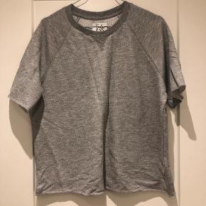 Oversized sweat t-shirt fra Zoe Karssen. Bytter ikke.