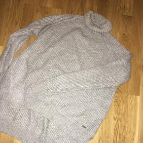 Mega dejlig grå genser 🌸
