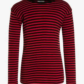 Rigtig flot Mads Nørgaard trøje i god stand.   Køber betaler forsendelse 🦋