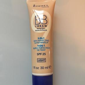 Rimmel London BB Cream. 30 ml. Fejlkøb. Er åbnet, men kun for at jeg kunne se farven. Køber betaler fragt
