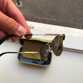 Ny prisen er 3200kr  Har kvittering på brillerne.   Brillerne er købt sidste sommer, fejler intet.