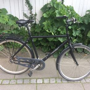Target herrecykel, stelstr 55 Udemærket, stabil cykel. Sadlen er noget trist og gearet sidder fast i 5. gear. Det er indvendigt 7 gears SRAM gearsystem, som jeg ikke kan finde ud af at ordne. Ellers fin cykel.