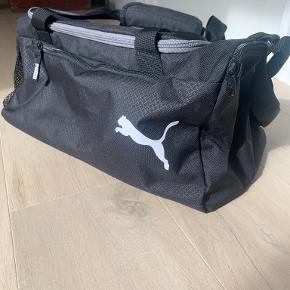 PUMA anden taske