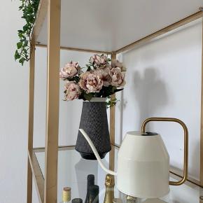 Fake blomster ligner ægte og er super flotte