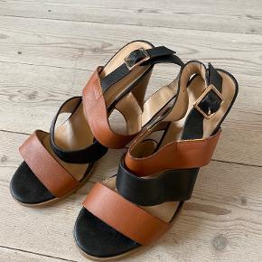 Warehouse heels