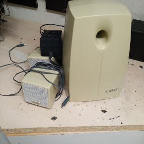 Højtalere til stationær computer  Sender desværre ikke