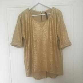 Top fluide or.Taille S Marque : Zara