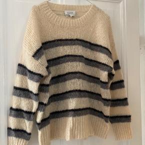 Smuk Second Female sweater - aldrig brugt.