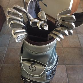 2 sæt golfjern med bærebag