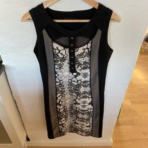 Wearhouse kjole