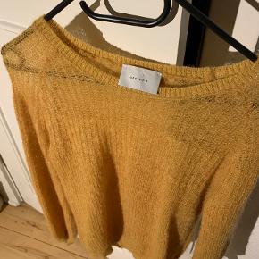 Neo Noir sweater