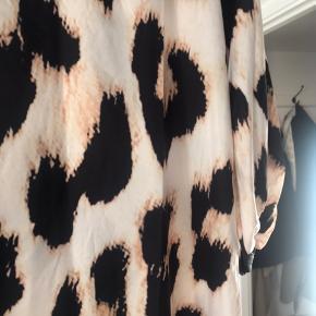 Leopard kjole - aldrig brugt